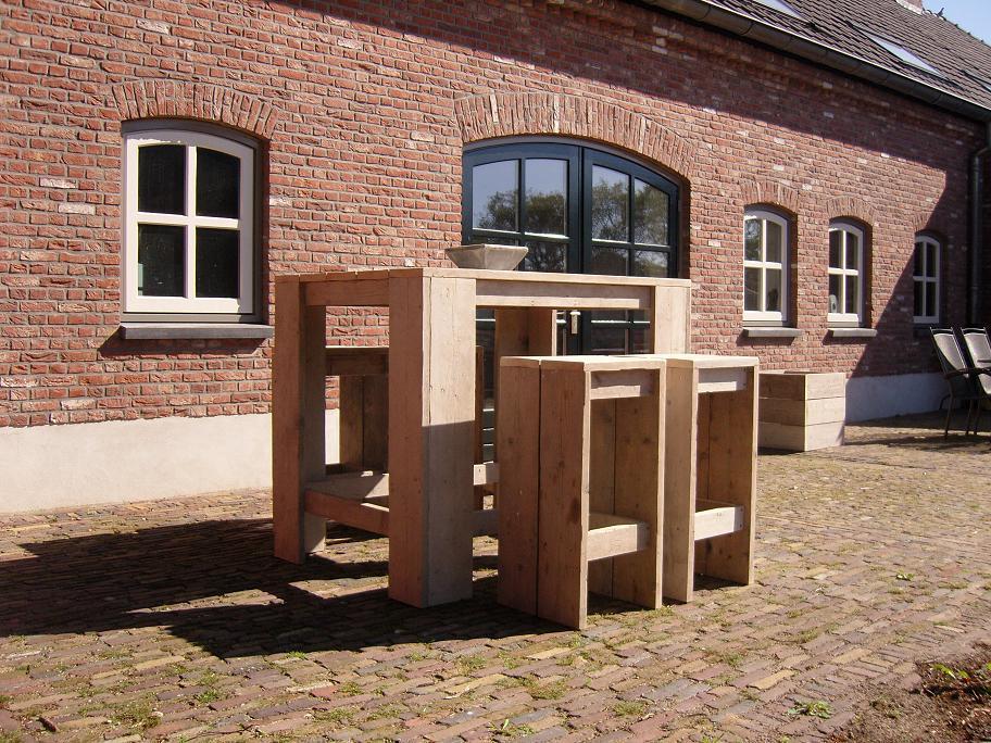 Steigerhouten meubelen statafels - De Steigerhout fabriek